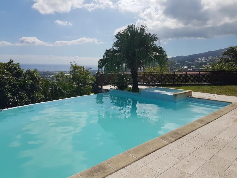 Deluxe sale house / villa La possession 785000€ - Picture 2
