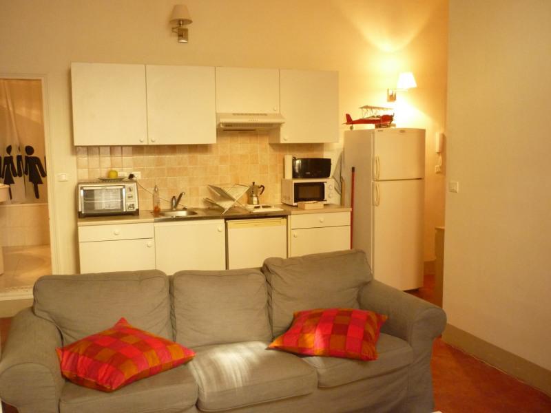 Rental apartment Aix en provence 745€ CC - Picture 2