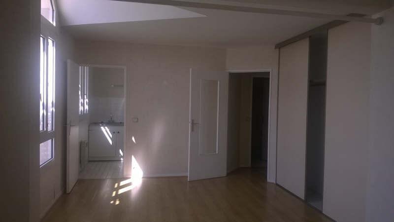 Location appartement Poissy 730€ CC - Photo 1