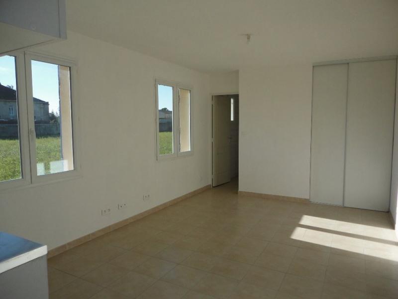 Rental apartment Entraigues sur la sorgues 460€ CC - Picture 9
