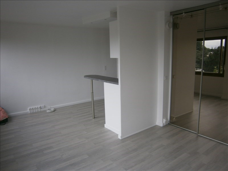 Location appartement Le chesnay 760€ CC - Photo 4