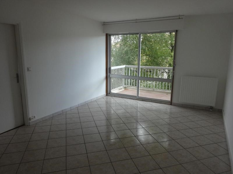 Location appartement Dijon 560€ CC - Photo 1