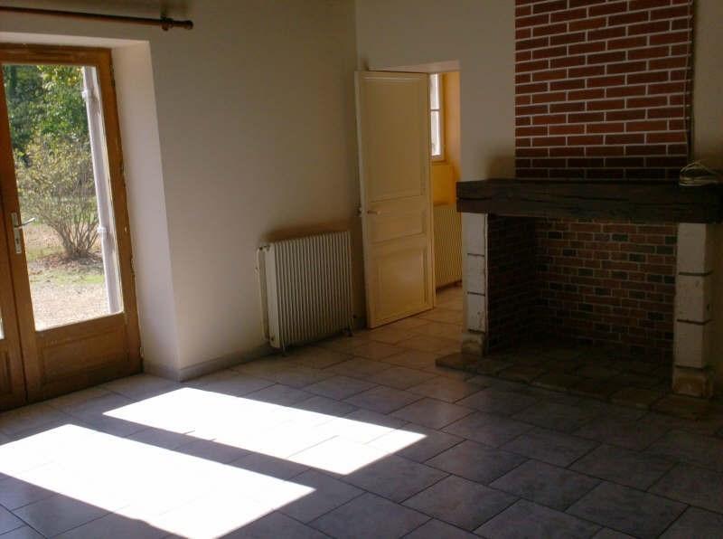 Location maison / villa Eyliac 561€ CC - Photo 6