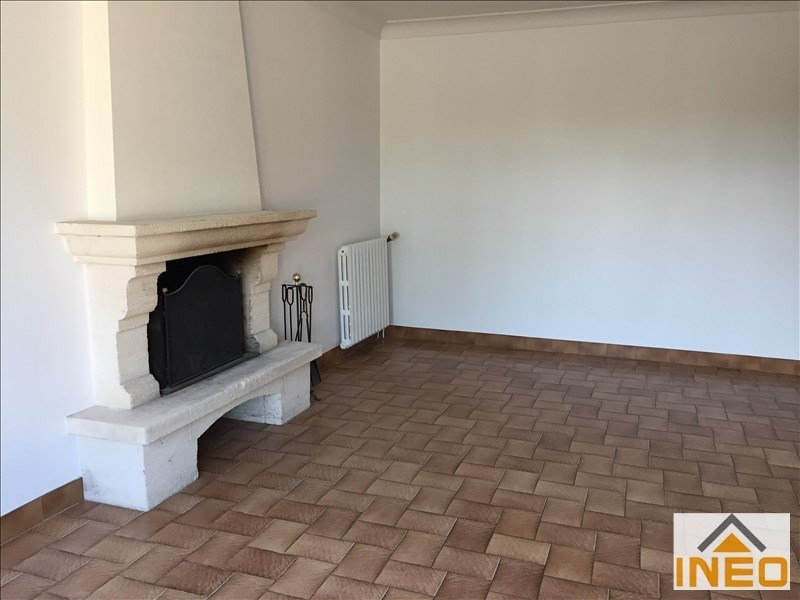 Location maison / villa Irodouer 650€ CC - Photo 2