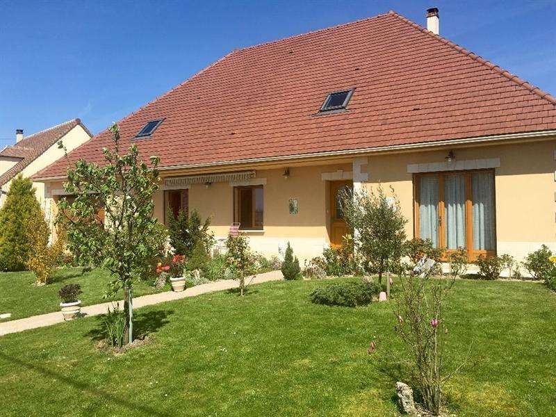 Sale house / villa Bulles 330000€ - Picture 1
