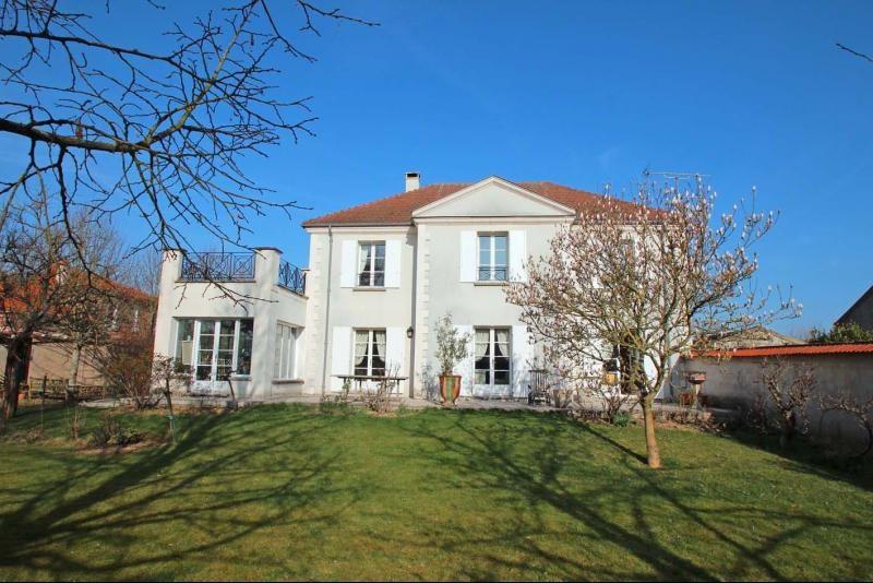 Deluxe sale house / villa Mandres les roses 770000€ - Picture 2