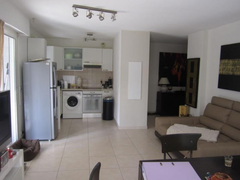 Location appartement Saint laurent du var 1090€ CC - Photo 4