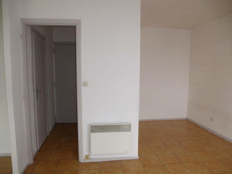 Rental apartment Nimes 345€ CC - Picture 3