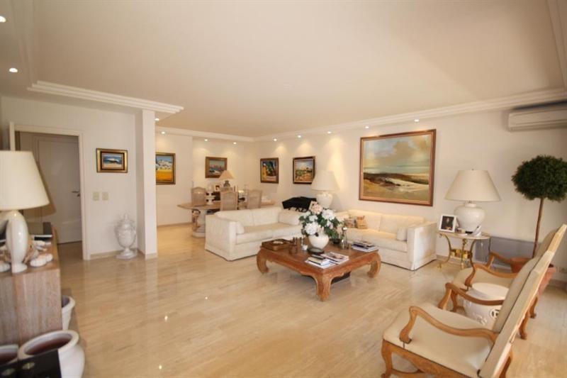 Deluxe sale apartment Juan les pins 1350000€ - Picture 2
