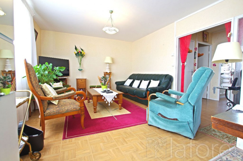 Sale apartment Cholet 87360€ - Picture 1
