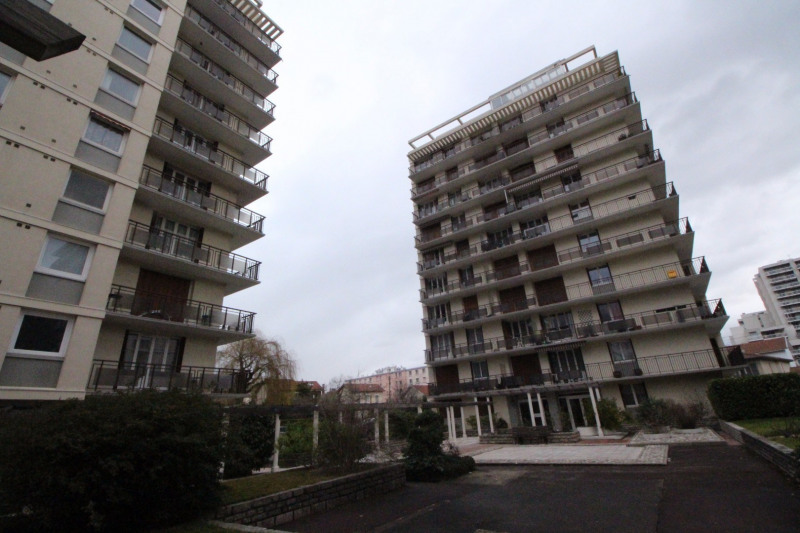 Location parking Grenoble 75€ CC - Photo 1