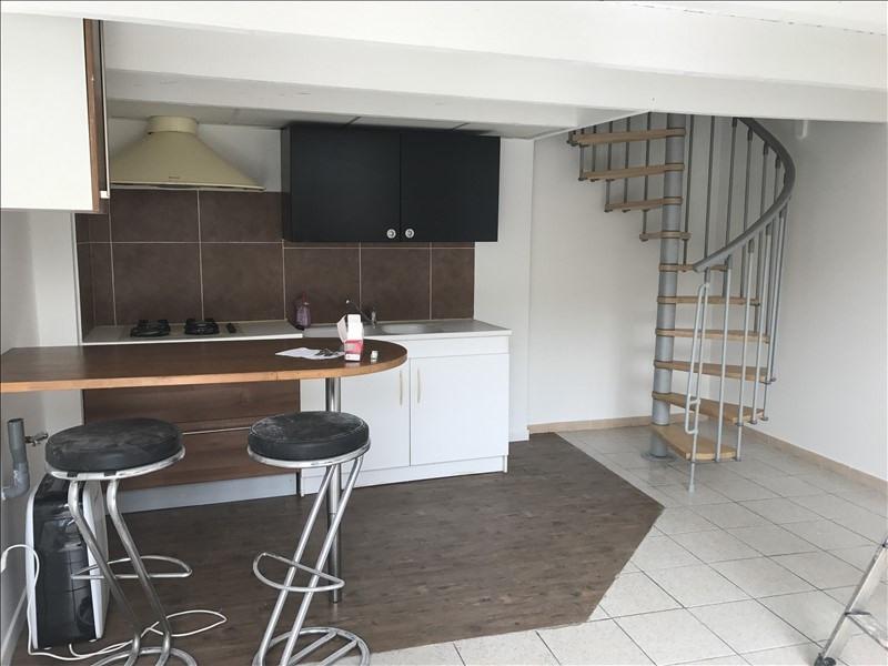 Location maison / villa Salon de provence 580€ CC - Photo 3