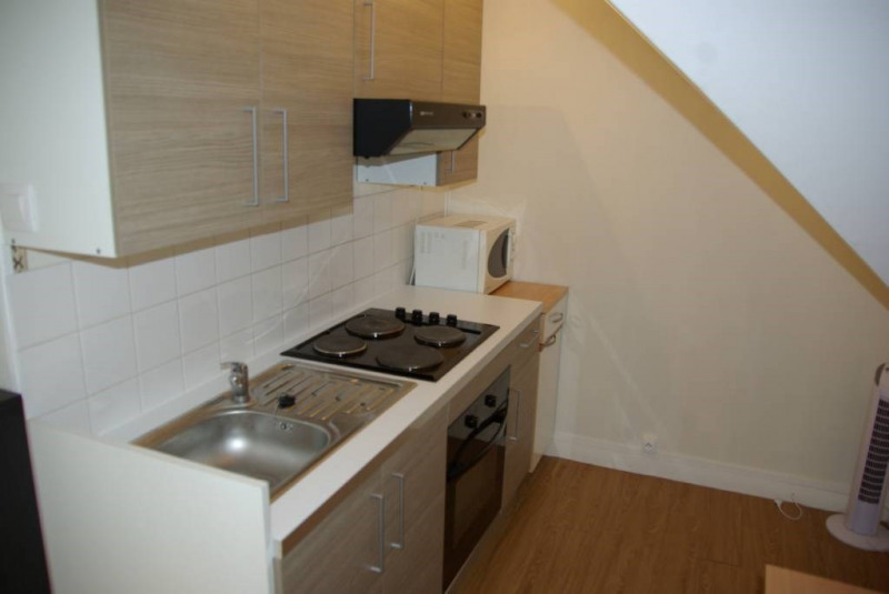 Location appartement Laval 350€ CC - Photo 5