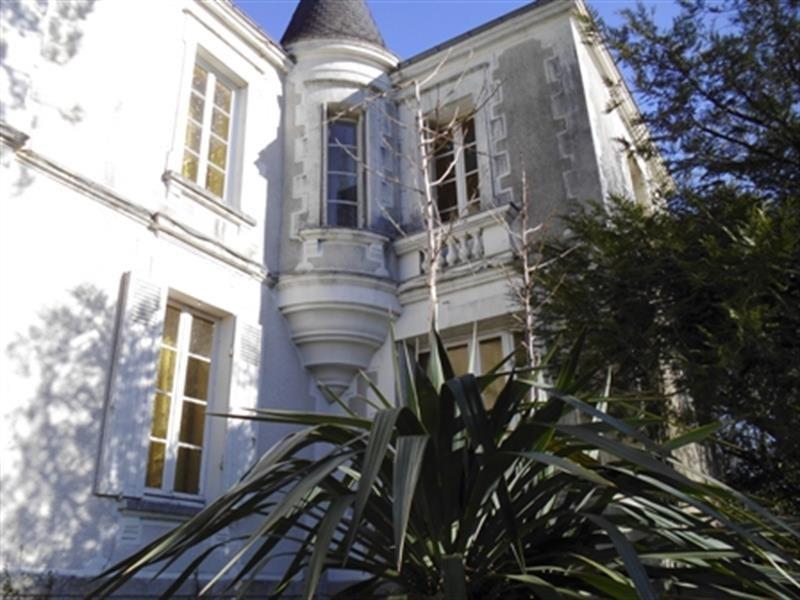 Sale house / villa Corcoué-sur-logne 430000€ - Picture 1