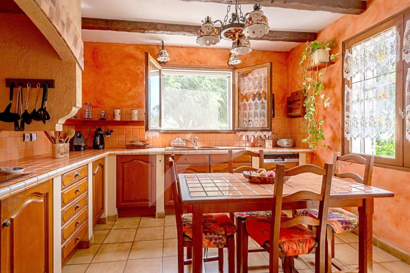 Sale house / villa Althen-des-paluds 377000€ - Picture 6