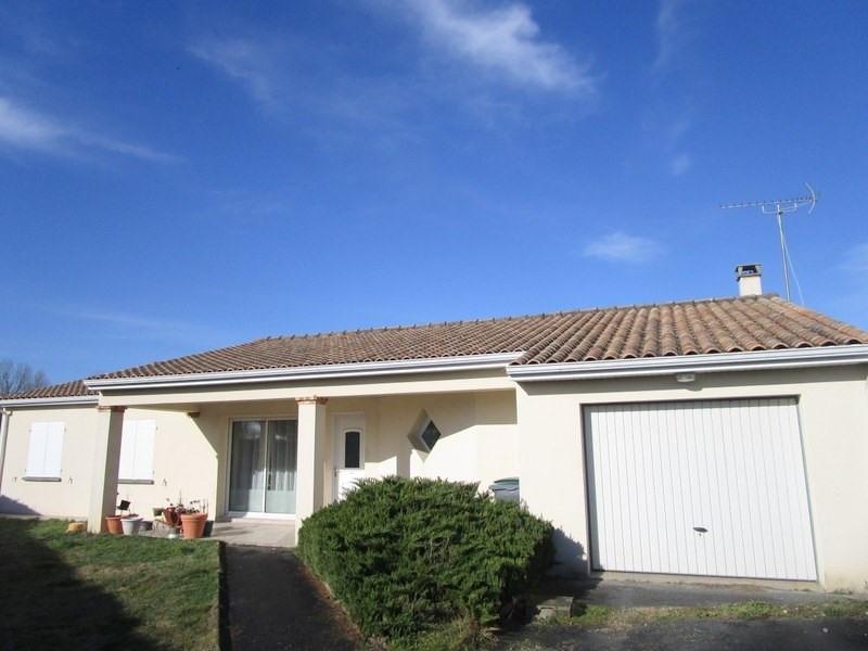 Sale house / villa Bussac foret 173000€ - Picture 1