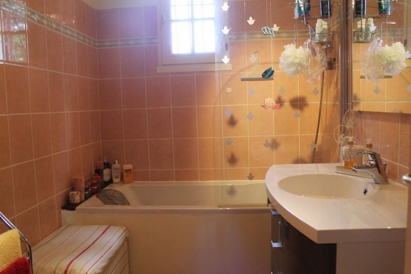 Sale house / villa St germain sur ay 286500€ - Picture 2