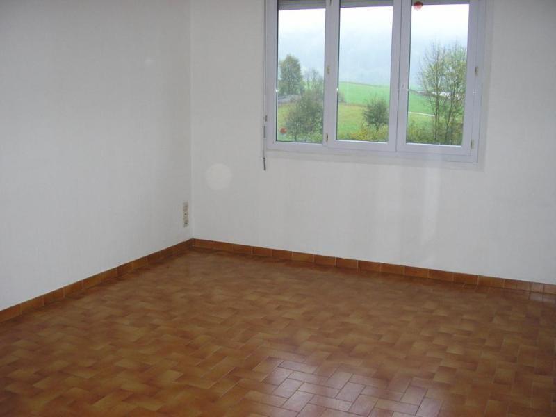Location appartement Maillat 606€ CC - Photo 1