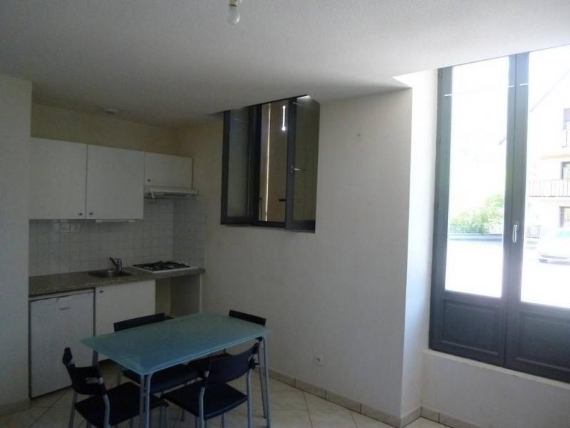 Location appartement Saint-pierre-de-chartreuse 295€ CC - Photo 2