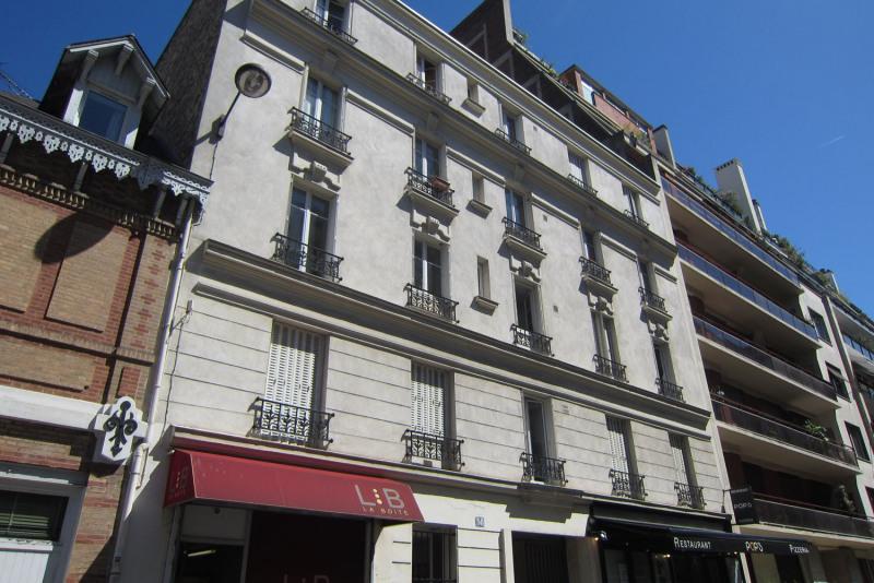 Rental apartment Paris 16ème 995€ CC - Picture 1