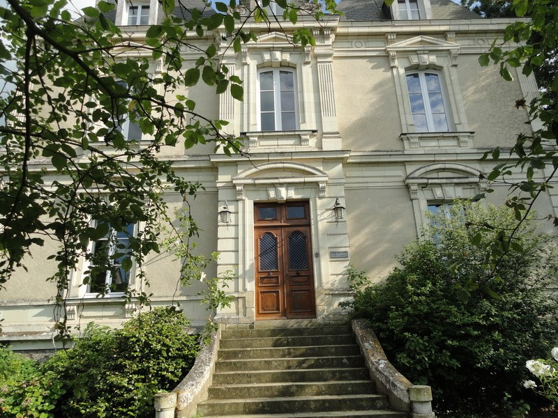 Deluxe sale house / villa Angers 20 mn nord 530 000€ - Picture 1