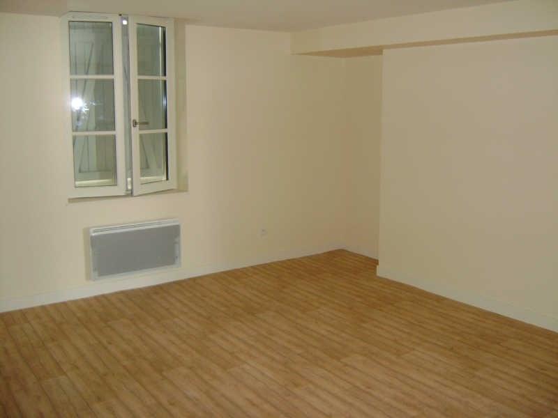Location appartement Chateau renault 346€ CC - Photo 2
