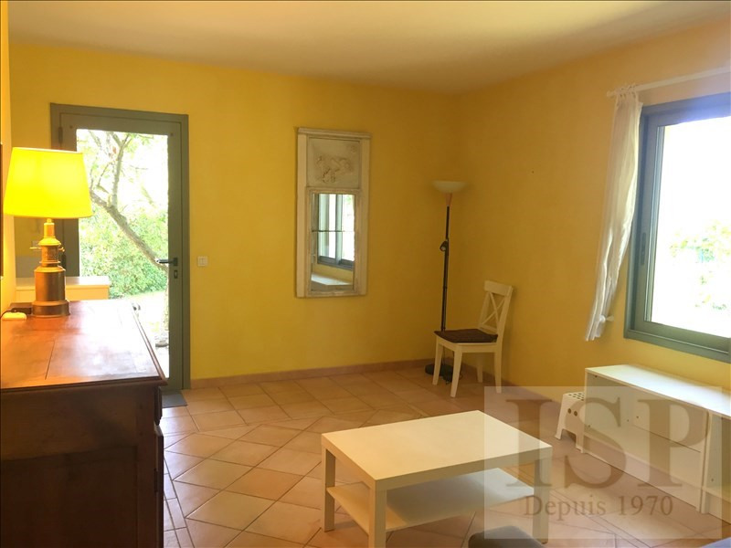 Location maison / villa Aix en provence 780€ CC - Photo 7