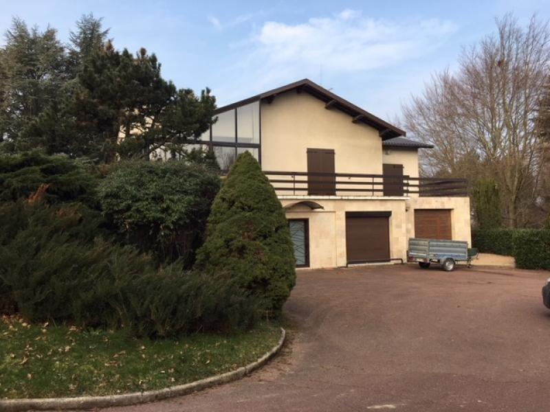 Deluxe sale house / villa Valencin 720000€ - Picture 2