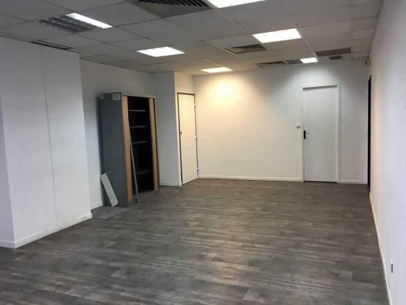 location bureau marseille 8 me bouches du rh ne 13 200 m r f rence n 609355. Black Bedroom Furniture Sets. Home Design Ideas