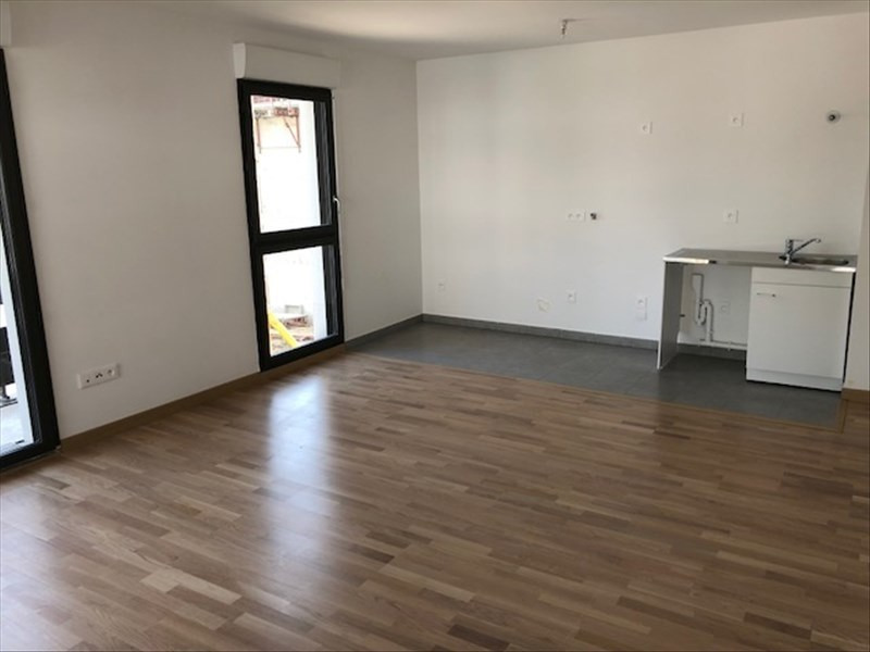 Location appartement Pontoise 900€ CC - Photo 2