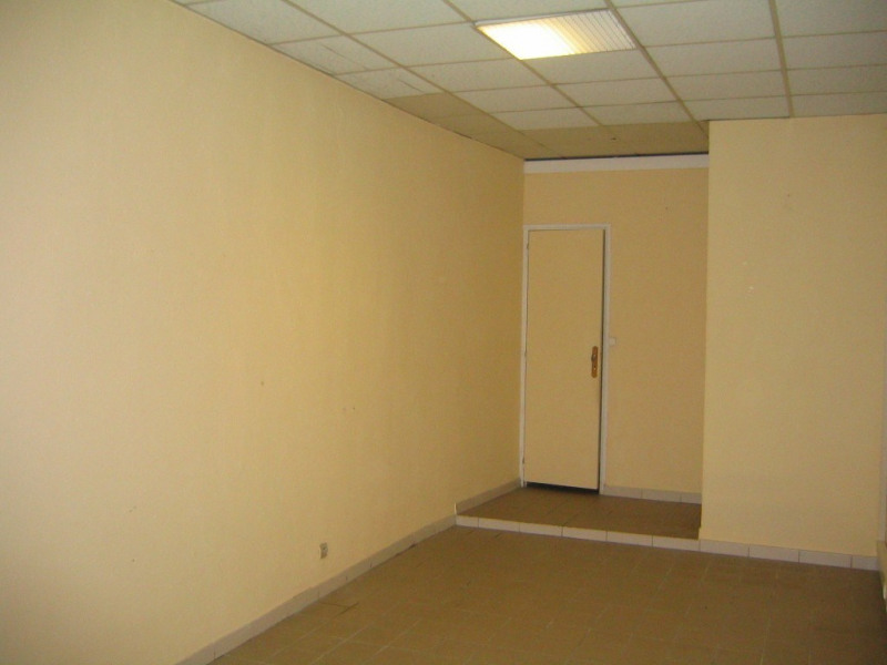 Location boutique Aubenas 225€ CC - Photo 3