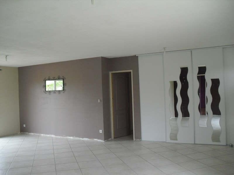 Rental house / villa Blaye 835€ CC - Picture 3