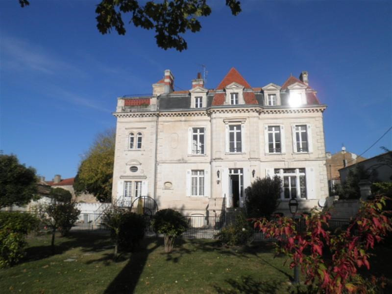 Sale private mansion Saint fort sur gironde 725 000€ - Picture 2