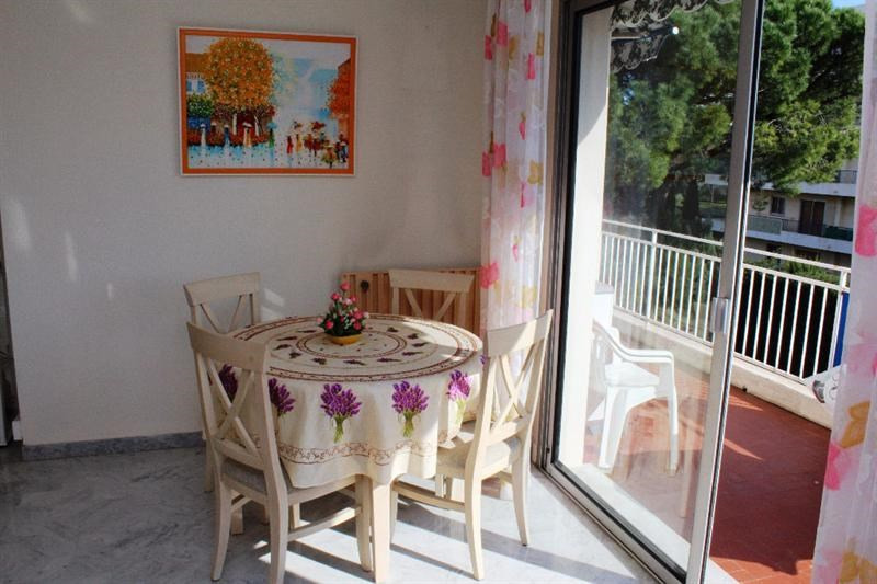 Sale apartment Antibes 328 000€ - Picture 3