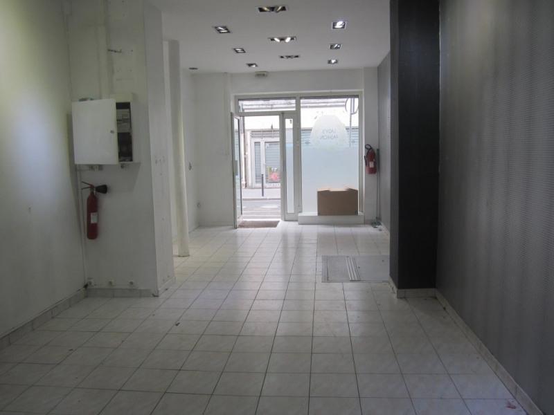 Rental empty room/storage Paris 11ème 1700€ CC - Picture 3