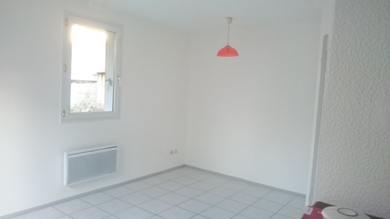 Rental apartment Toulouse 422€ CC - Picture 2