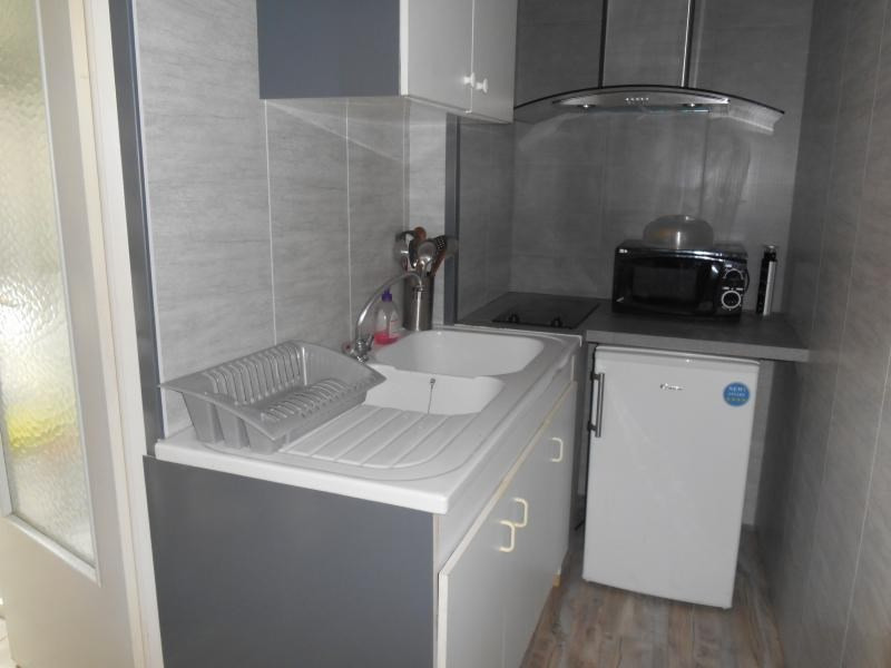Location appartement Troyes 330€ CC - Photo 2