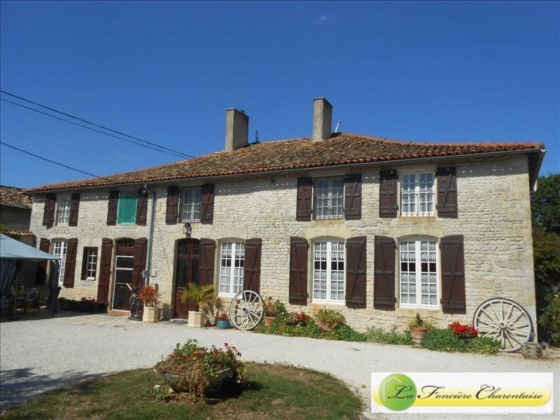 Vente maison / villa Chef-boutonne 283500€ - Photo 1