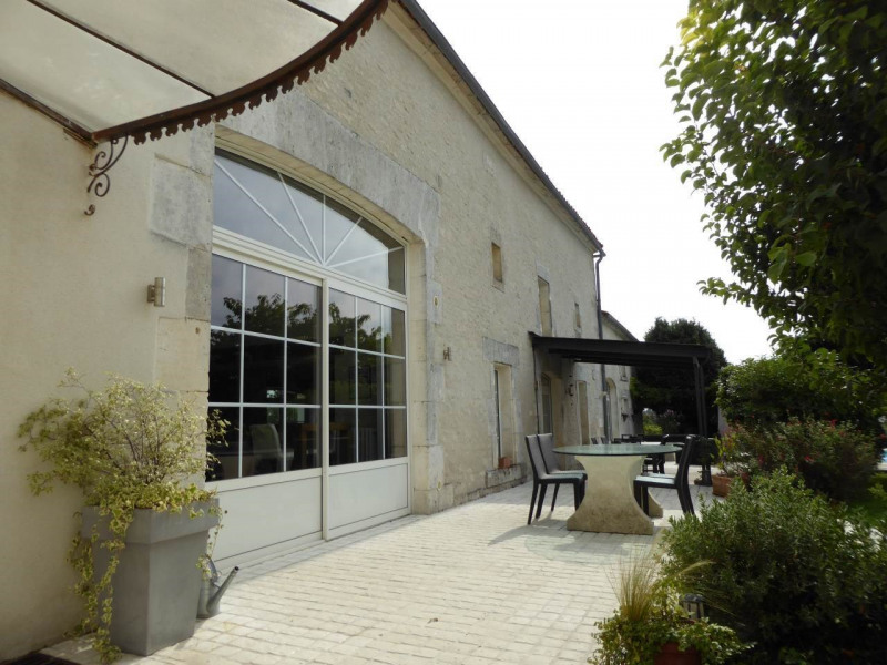 Deluxe sale house / villa Saint-laurent-de-cognac 695 000€ - Picture 4