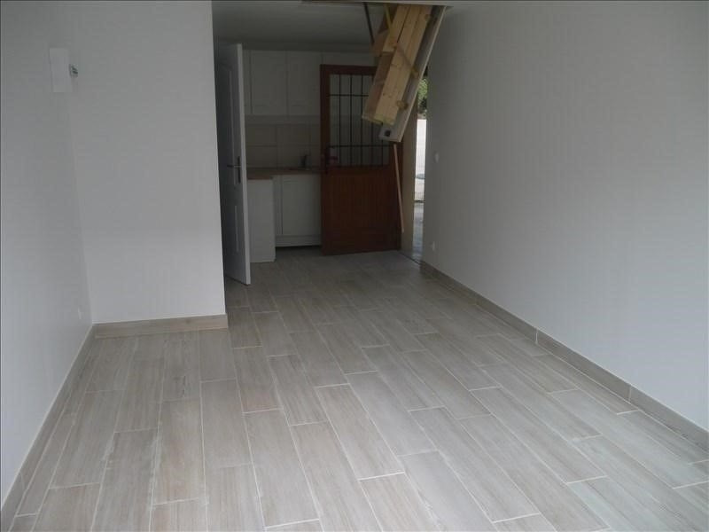 Rental apartment Andresy 620€ CC - Picture 1