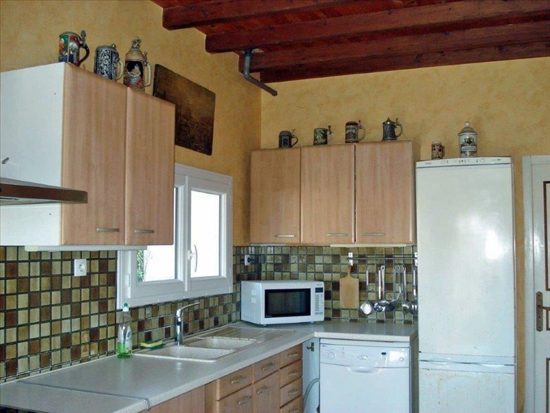 Sale house / villa St jean d angely 305950€ - Picture 2