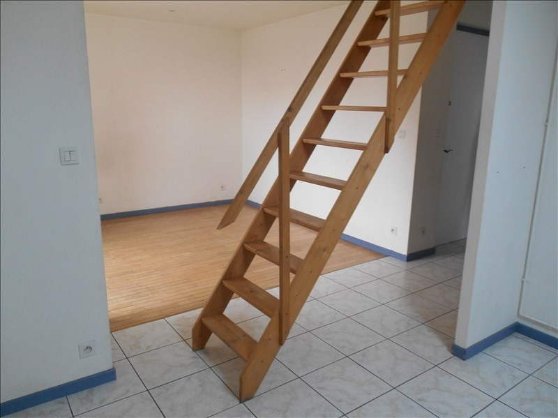 Location appartement 10000 450€ CC - Photo 1