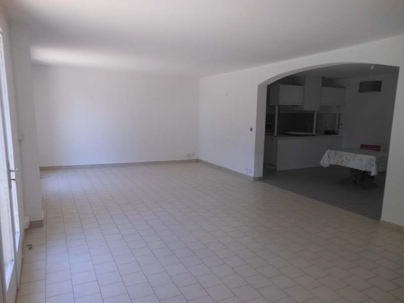 Location maison / villa Nimes 1 660€ CC - Photo 4