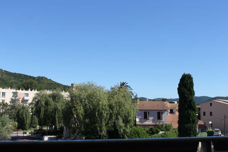Sale apartment Hyeres 53 000€ - Picture 1