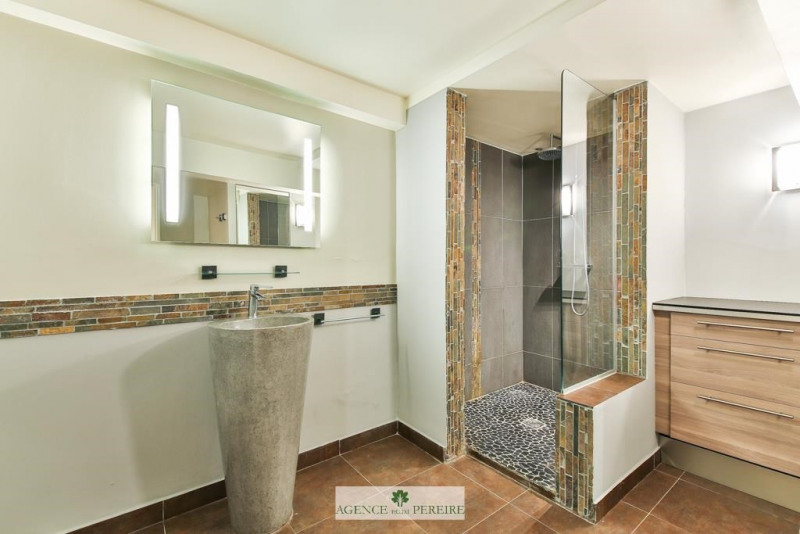 Location appartement Paris 17ème 1950€ CC - Photo 12
