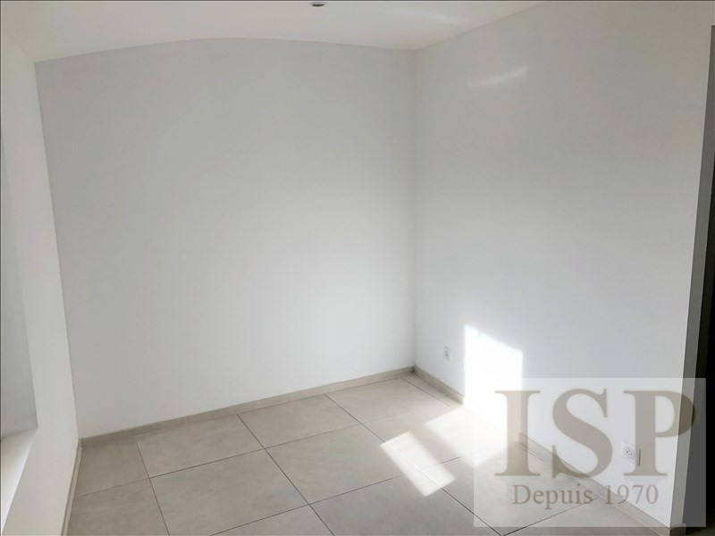 Location maison / villa Aix en provence 1 999€ CC - Photo 9
