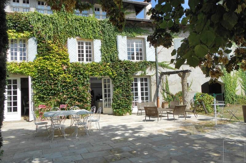 Rental house / villa Saint genis les ollieres 2890€ CC - Picture 1