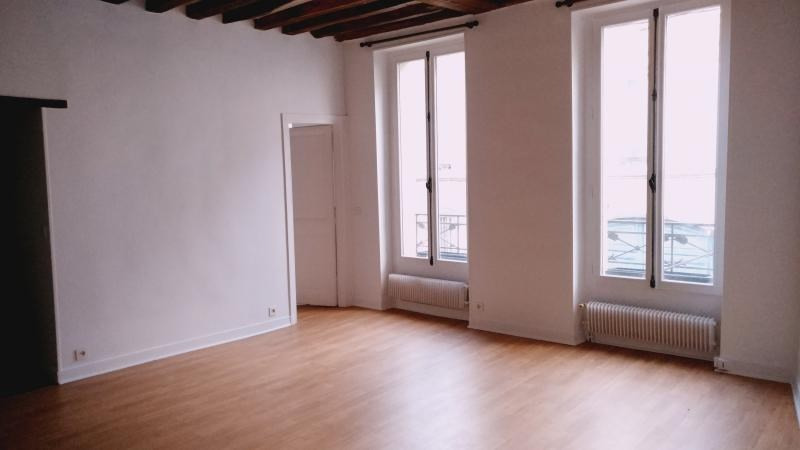 Rental apartment St germain en laye 1 250€ CC - Picture 1