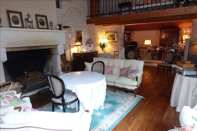 Vente de prestige maison / villa Semussac 614250€ - Photo 2