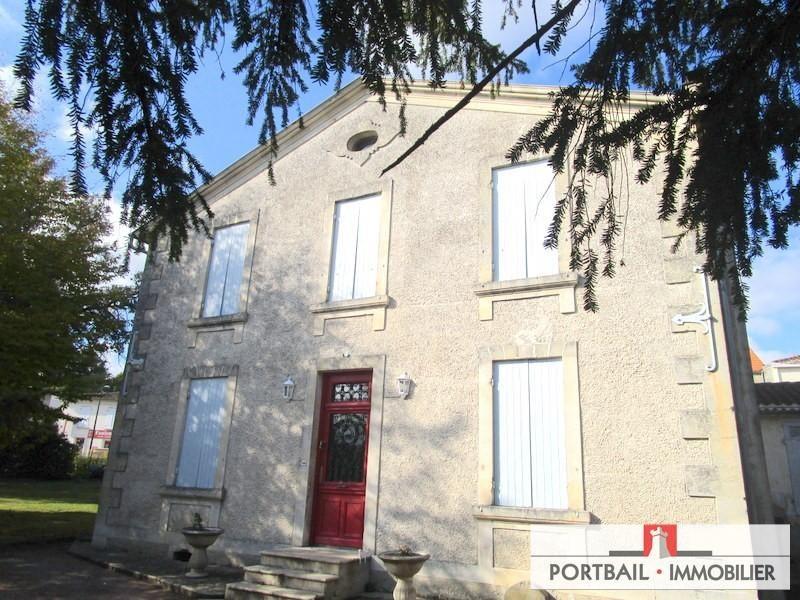 Deluxe sale house / villa Montendre 318000€ - Picture 1